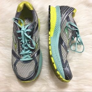 Brooks Women's Mogo Ghost Running Shoes Size 7.5